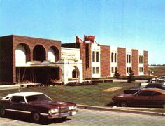 Waterloo Motor Inn hotel in the My first place of employment. Waterloo Ontario, Local History, My Heritage, Cambridge, Past, Buildings, Scenery, Coloring, Memories