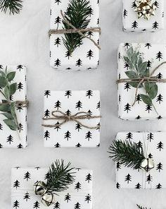 Weihnachten | Geschenke | Geschenkverpackung | Geschenkpapier | Tannenbaum | Weihnachtsgeschenk | Weiß | Grün