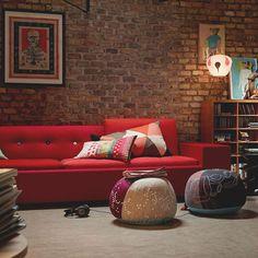 De Vitra Bovist #kruk is een mooi decoratief #zitkussen. #woonkamer