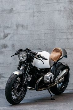 BMW R nineT Cafe Racer Heinrich by Deus Customs