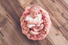 Favorite newborn poses.  Newborn photography. Newborn photographer. https://www.facebook.com/stephaniecottaphotography