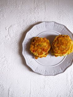 Ricotta and Vegetable Fritters Recipe - Fat Mum Slim Real Food Recipes, Snack Recipes, Cooking Recipes, Snacks, Fat Mum Slim, Corn Fritters, Quiche Recipes, Foods To Eat, Vegetable Dishes