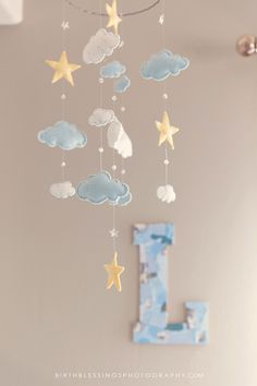 Cloud and star felt mobile Star Mobile, Cloud Mobile, Clouds Nursery, Star Nursery, Baby Mobiles, Baby Sewing Projects, Felt Baby, Baby Room Decor, Baby Boy Nurseries