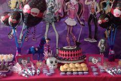 Festa na escola . Monster High Essas bonecas monstro são um sucesso!!!