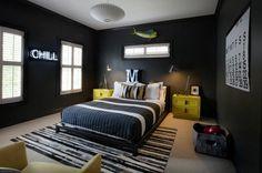 chambre d'ado garçon murs noirs, plafond blanc