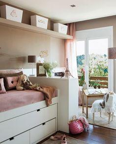 Нежная детская для девочки (12 кв. м) http://on.fb.me/1N6ckJc  Окно с видом на лес — просто мечта!
