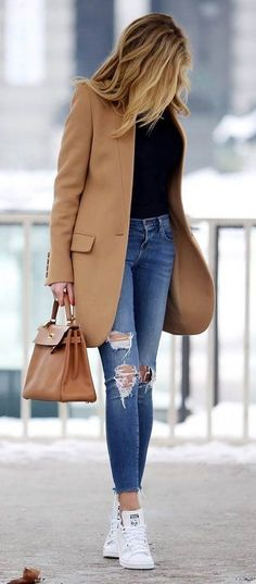 casual style obsession: coat + bag + black top + ripped jeans + sneakers