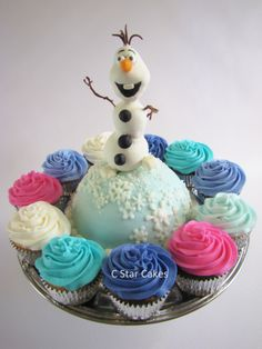 Frozen themed smash cake and cupcakes by C Star Cakes #cstarcakes