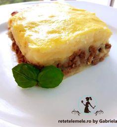 Musaca din piure de cartofi și carne tocată 1 Lasagna, Ethnic Recipes, Food, Bebe, Essen, Meals, Yemek, Lasagne, Eten