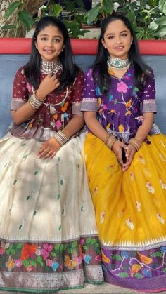 Indian Dresses For Kids, Stylish Dresses For Girls, Indian Fashion Dresses, Dresses Kids Girl, Kids Blouse Designs, Bridal Blouse Designs, Designs For Dresses, Beautiful Dress Designs, Kids Dress Patterns