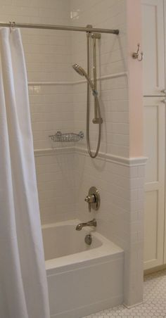 Another example of the shower wall to wainscoting transition