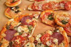 A tökéletes pizzatészta, és ami a pizzán túl lehet belőle Mozzarella, Vegetable Pizza, Vegetables, Food, Meal, Vegetable Recipes, Hoods, Veggies, Eten