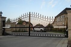 """""""New Gates San Diego"""" repairs all types of gates like  Custom gates, automatic gate ,etc.It is an emergency gate service,opens 24/7 hrs."""