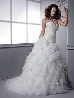 Robe de mariée Princesse avec beaucoup de froufrous