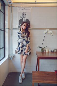 Blue Floral Dress  #KOODING.com #floral #dress #blue Bodycon Outfits, Crop Top Outfits, Basic Outfits, Korean Outfits, Cute Outfits, Girls Fashion Clothes, Girl Fashion, Fashion Outfits, Clothes For Women