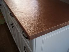 Ultimate guide to metal worktops worktop specialtyCopper worktops hammered textureHow to build a zinc plateDIY counters (plywood base and wrapped in sheet metal)Things You Should Know About Zinc Countertops Copper Countertops, Stainless Steel Countertops, Kitchen Countertops, Kitchen Backsplash, Kitchen Cabinets, Affordable Countertops, Copper Decor, Countertop Materials, Copper Kitchen