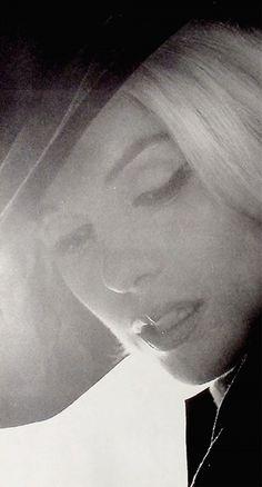 Marilyn Monroe in black and white - Bert Stern - last photo shoot. Marilyn Monroe 1962, Marilyn Monroe Photos, Marilyn Monroe Tattoo, Bert Stern, Norma Jeane, Elizabeth Taylor, Up Girl, Gene Kelly, Audrey Hepburn