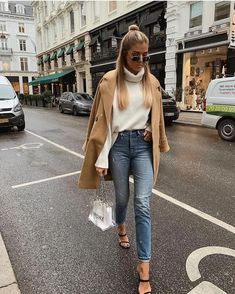 Find images and videos about fashion, style and outfit on We Heart It - the app to get lost in what you love. Outfits Otoño, Trendy Outfits, Fashion Outfits, Fashion Tips, Fashion Trends, Fashion Clothes, Fashion Inspiration, 70s Fashion, Korean Fashion