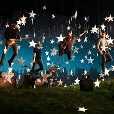 Coldplay - Sky Full of Stars♡ Sky Full Of Stars, Look At The Stars, Great Bands, Cool Bands, Coldplay Ghost Stories, Chris Martin Coldplay, Imagine Dragons, Music Lyrics, Music Is Life