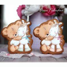 Не могу не показать поближе и этих милах!☺Если поднадоела -сорри)) #имбирныепряники#пряникиимбирные#пряники#пряникиручнойработы#декорпряников#декорпеченья#печенье#cookies#cookiesdecorados#royalicing#icing#icingcookies