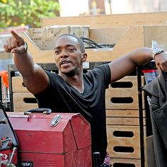 Star Tracks: Friday, September 5, 2014 | POINT TAKEN | Actor Anthony Mackie makes his point known on Thursday while on the set of his upcoming film, Christmas Eve City, in New York.