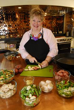 Silver Dollar City's Master of Culinary Arts, Debbie Dance Uhrig teaches 60-minute classes at the Midwest Living Culinary & Craft School.