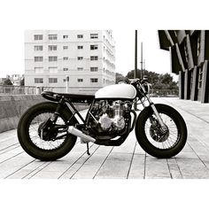 "@caferacertimes's photo: ""Black & White CB ⚪⚫ #caferacer #honda #custom #motorcycle #caferacertimes"""