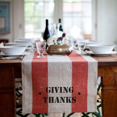 LOVE this for closer to thanksgiving on my table!