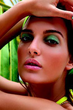 Dani Guinsberg #beauty #makeup #eyes #prohairbeauty Makeup Eyes, Beauty Makeup, Hair Beauty, March, Make Up, Glamour, Eye Make Up, Makeup, Eye Makeup