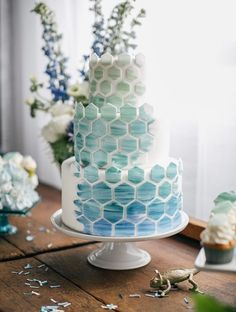 round white blue ombre green three tiered geometric pattern