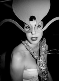 Queen of hats Isabella Blow photographed by Mario Testino