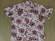 Shop for on Etsy, the place to express your creativity through the buying and selling of handmade and vintage goods. Vintage Hawaiian Shirts, Mens Hawaiian Shirts, Aloha Shirt, S Shirt, Surfer Guys, Vintage California, Stylish Shirts, Oahu, Mens Xl