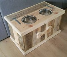 Pallet Dog Bowl Stand with Storage | Pallet Furniture Dog Bowl Stand, Pallet Furniture, Diy Pallet Projects, Wood Projects, Woodworking Projects, Woodworking Plans, Dog Bowls, Used Pallets, Unique Home Decor