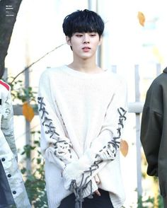 sweater wooshin up10tion