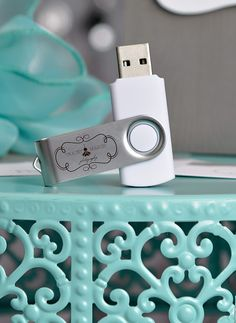 Cute Idea!! Custom Flash Drives for Photography business