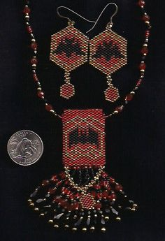 A pattern for a cute and small amulet bag with tips on construction. - Mini Amulet Bags - Beadwork at BellaOnline Seed Bead Patterns, Beaded Jewelry Patterns, Beading Patterns, Halloween Beads, Halloween Earrings, Beaded Purses, Beaded Bags, Wiccan Crafts, Charms