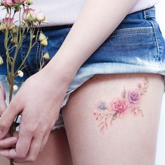 40 Gorgeous Rose Tattoo Designs For Women – Bored Art – foot tattoos for women flowers Mini Tattoos, Foot Tattoos, Flower Tattoos, Body Art Tattoos, Tatoos, Tattoo Designs For Women, Tattoos For Women Small, Small Tattoos, Pretty Tattoos