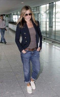 Aniston. My fashion idol. Always so easy, classy & chic looking!