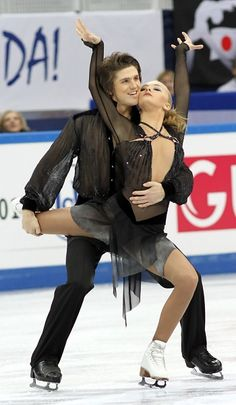 Alexandra Stepanova and Ivan Bukin of Russia outclass the competition in Sochi