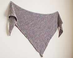 Ravelry: Le Moelleux (The Squishy) Shawl pattern by Knitting Expat Designs