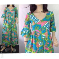 Vintage KAHALA Hawaiian Maxi Dress #sixcatsfunVINTAGE #kahala #hawaiiandress #maxidress #luaudress #tikidress #70shippiedress