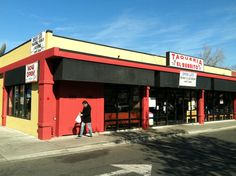 Located in what was a Chinese Restaurant in Davis, CA.  Fresh and reasonably priced food.