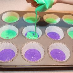 Mardis Gras cupcakes (how they are made)