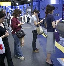 The Impact Of Smartphones On Society {Infographic} ~ Information Oomph