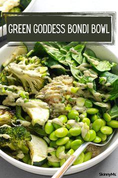 Green Goddess Bondi Bowl Superfood Recipes, Healthy Salad Recipes, Veggie Recipes, Veggie Meals, Lunch Recipes, Clean Eating Dinner, Clean Eating Recipes, Healthy Eating, Green Superfood