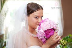 #kwiatownia #bouquet #bridal #bride #bridesmaid #slub #wesele #bridalbouquet #flowers #flowerinspirations #inspirations #weedingday #floral #art #design fot.LusiaKosik Weeding, Bouquets, Bridesmaid, Crown, Bridal, Floral, Flowers, Design, Art