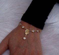 Bezel Diamond Rosary Bracelet – Style Tips Dainty Jewelry, Cute Jewelry, Diamond Jewelry, Jewelry Accessories, Fashion Accessories, Women Jewelry, Jewlery, Stylish Jewelry, Dainty Bracelets