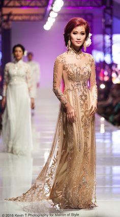 Vietnamese-American designer, Jacky Tai, sends his bridal collection of wedding ao dai's and wedding gowns down the catwalk at Viet Fashion Week Modele Hijab, Fashion Week 2016, Ao Dai, Bridal Collection, Catwalk, Wedding Gowns, Thailand, Runway, Weddings