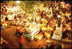 All things Mexico. Celebración del día de Muertos en México.