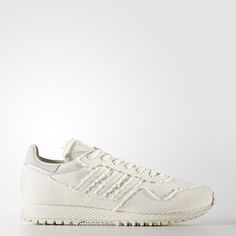 The '80s saw the sneaker blow up into a cultural phenomenon. These men's shoes, created in collaboration with artist Daniel Arsham, rework an iconic runner from that golden era. The silhouette and retro web midsole stay true to the original New York shoe, while a hand drawn graphic breathes fresh style into the vintage design.